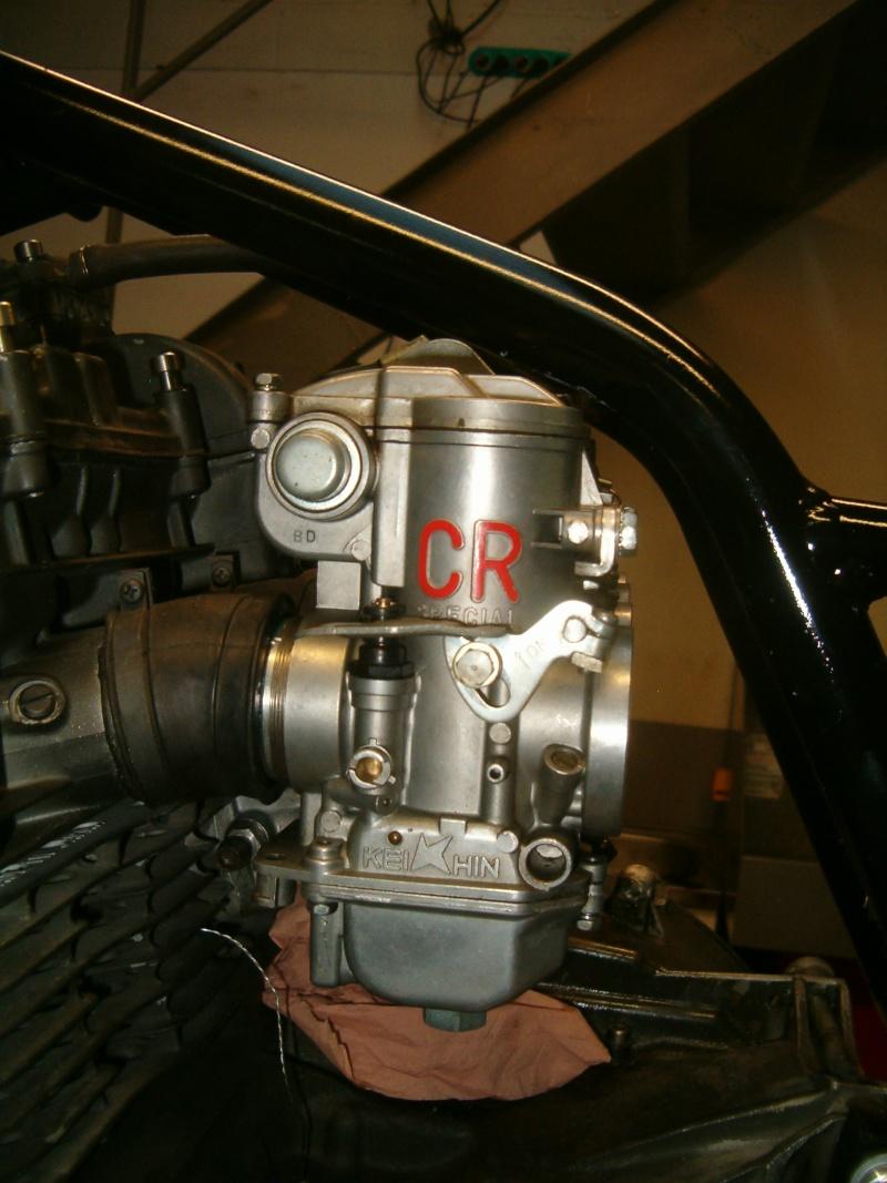 moteur z900/1000 avec carbu de 34 dans cadre martin  Nm_suz10