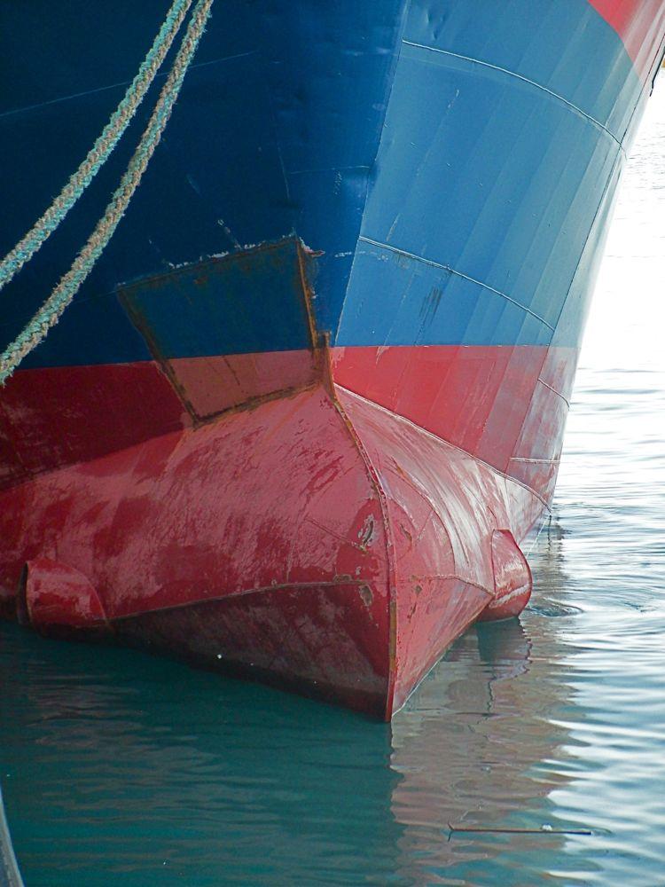 Voila , monsieur, votre bateau est réparé. Bateau10