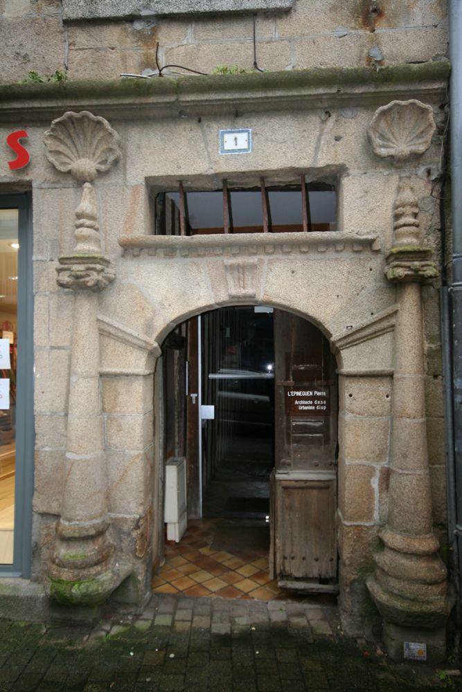 Guingamp, la place du centre Guinga10