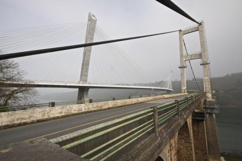 Déconstruction du vieux pont de Térénez Img_6310