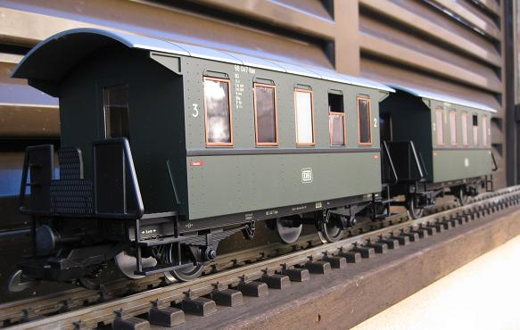 Tarda de trens a Barcelona (material nou Train Line 45 i LGB) Xxx_1110