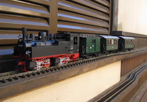 Tarda de trens a Barcelona (material nou Train Line 45 i LGB) Xxx_1511
