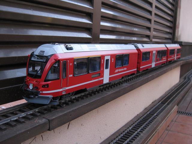 Tarda de trens a Barcelona (material nou Train Line 45 i LGB) Xxx_2010