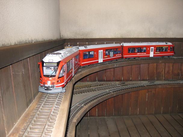 Tarda de trens a Barcelona (material nou Train Line 45 i LGB) Xxx_2210