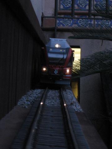 Tarda de trens a Barcelona (material nou Train Line 45 i LGB) Xxx_2610
