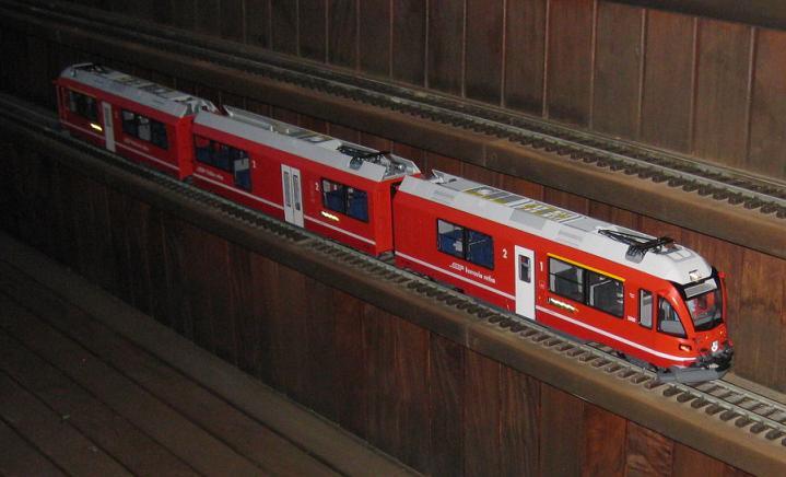 Tarda de trens a Barcelona (material nou Train Line 45 i LGB) Xxx_2810