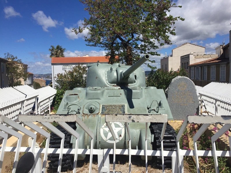 Stèle équipage char Jeanne d'Arc - MARSEILLE - CUIRASSIERS Img_4910