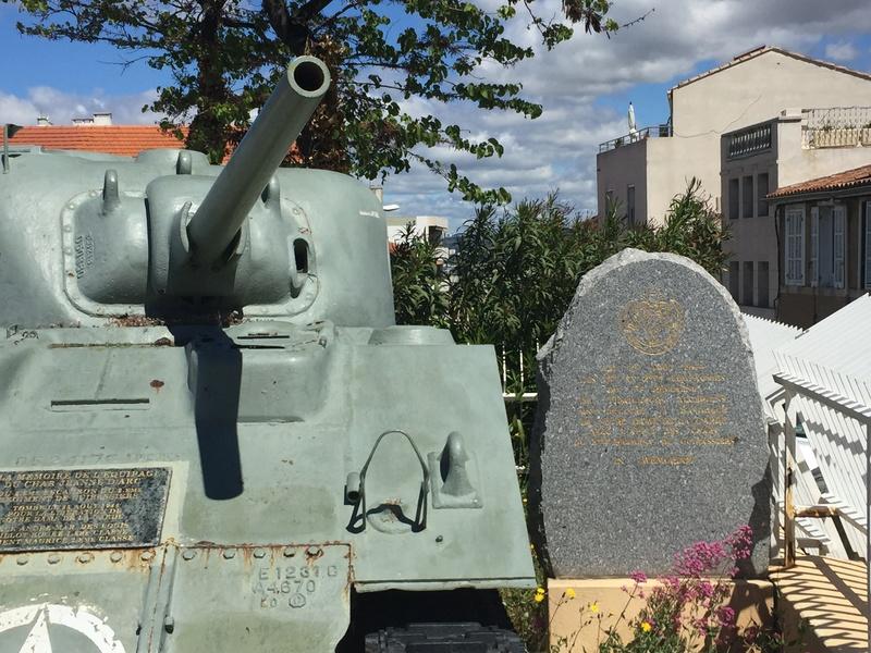 Stèle équipage char Jeanne d'Arc - MARSEILLE - CUIRASSIERS Img_4911