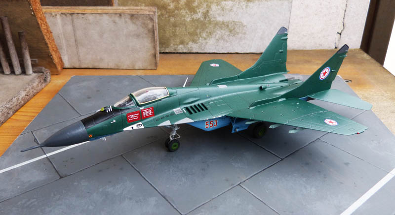 Mig 29 Nord coréen de parade - Heller (boitage Airfix). Mig29_11