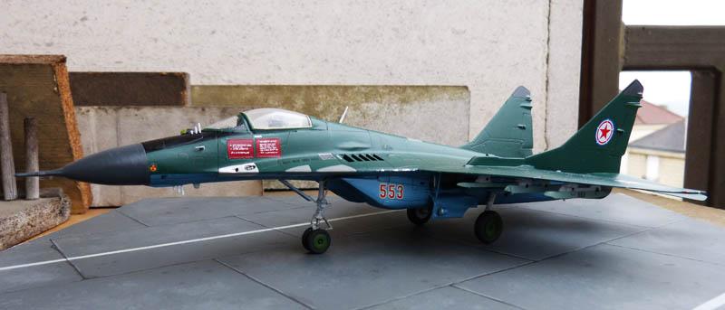 Mig 29 Nord coréen de parade - Heller (boitage Airfix). Mig29_18