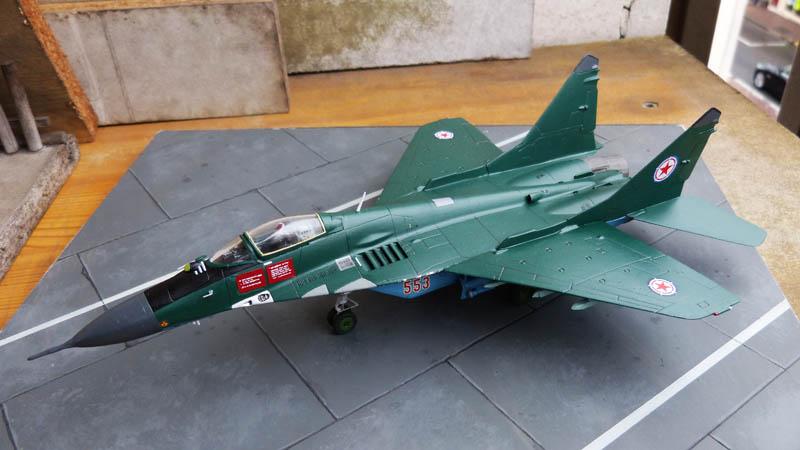 Mig 29 Nord coréen de parade - Heller (boitage Airfix). Mig29_19