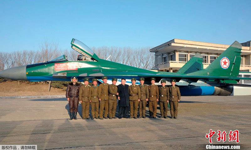 Mig 29 Nord coréen de parade - Heller (boitage Airfix). Northk10