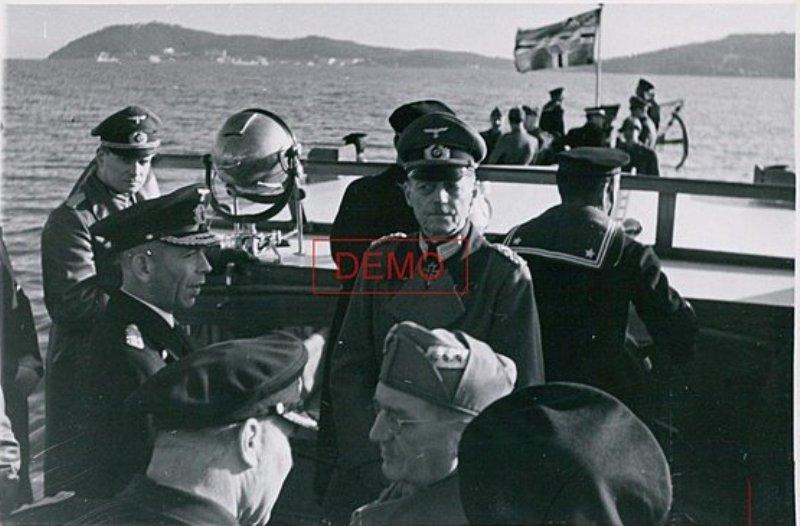 Konteradmiral Scheer  ( Deutsches Marinekommando Toulon ) Von_ru11