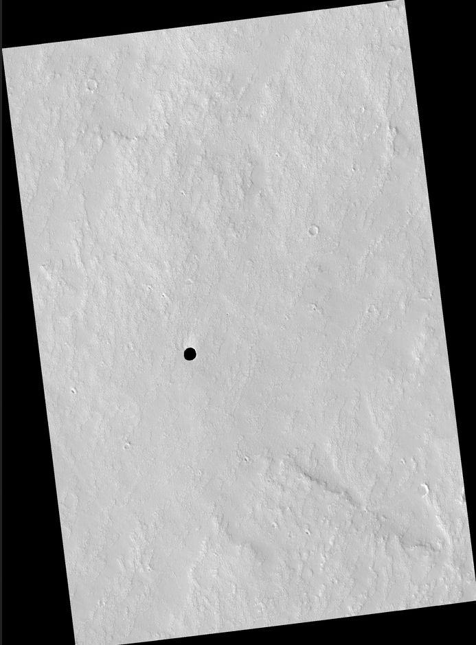Un trou sur Mars ... Cave_m10