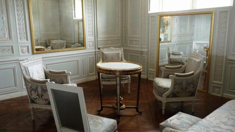 Boudoir ou Cabinet des glaces mouvantes au Petit Trianon 13510