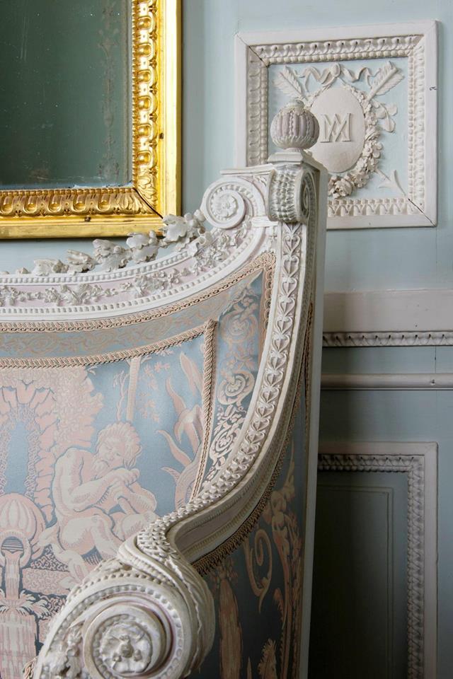 Boudoir ou Cabinet des glaces mouvantes au Petit Trianon 15873410