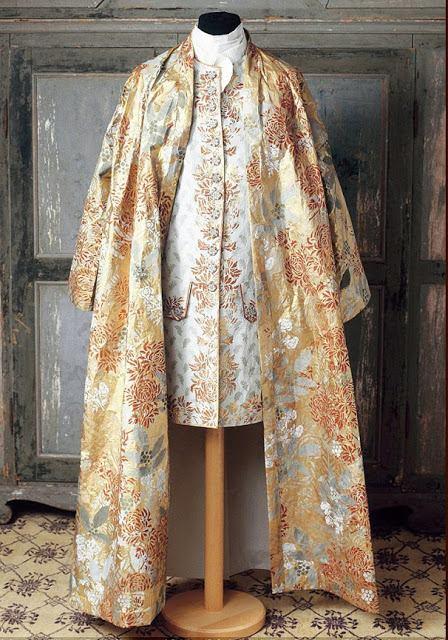 Les costumes de papier d'Isabelle de Borchgrave 16649110