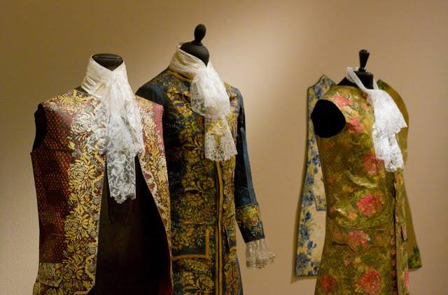 Les costumes de papier d'Isabelle de Borchgrave 16649310