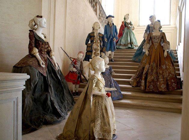 Les costumes de papier d'Isabelle de Borchgrave 16649311