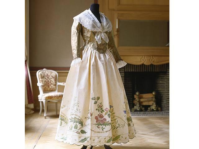 Les costumes de papier d'Isabelle de Borchgrave 16681911