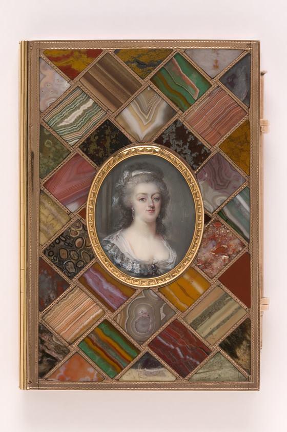 Portraits de Marie-Antoinette sur les boites et tabatières 17022410