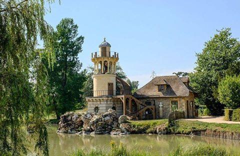 La Tour de Marlborough du Petit Trianon 18157910