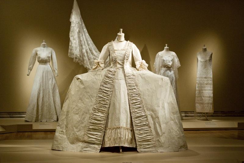 Les costumes de papier d'Isabelle de Borchgrave Borchg10