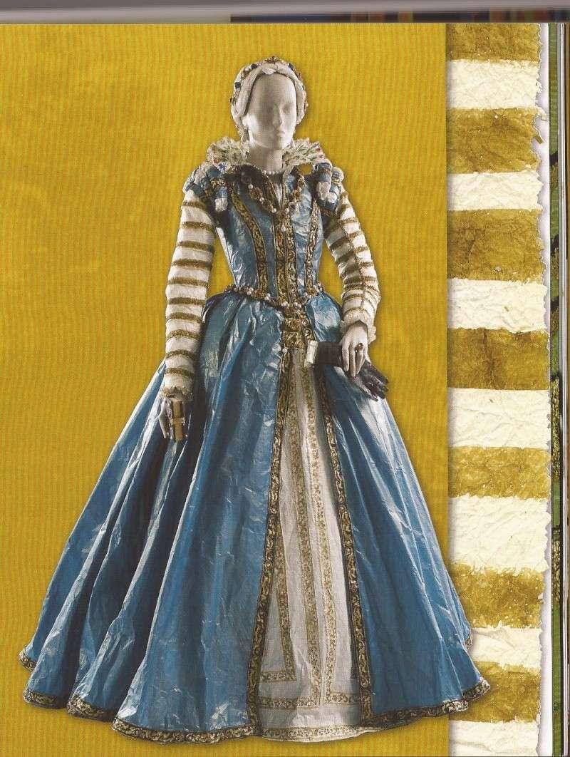 Les costumes de papier d'Isabelle de Borchgrave Catama10