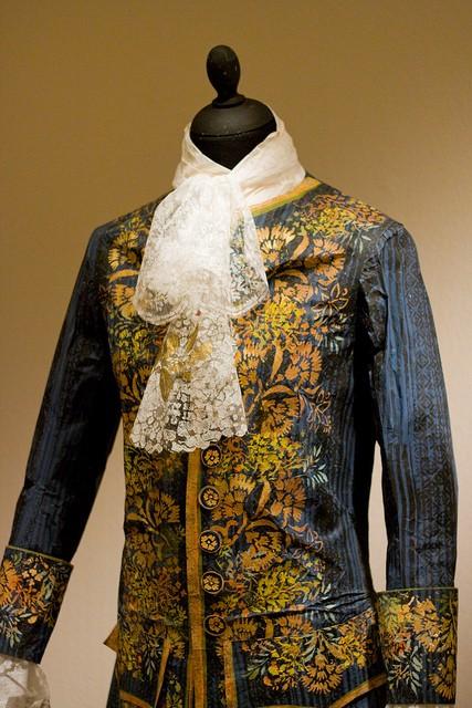 Les costumes de papier d'Isabelle de Borchgrave Habit_10