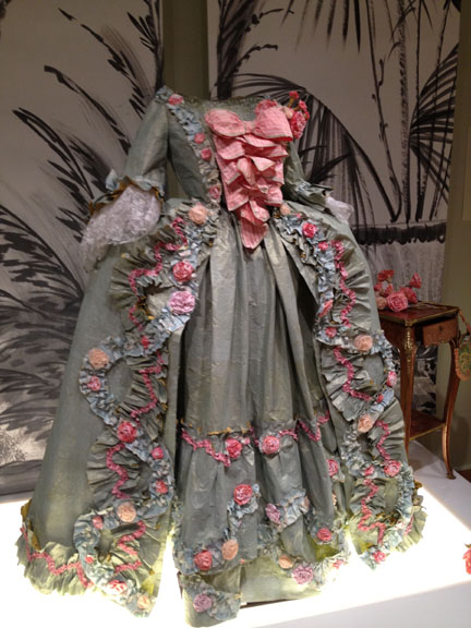 Les costumes de papier d'Isabelle de Borchgrave Isabel11