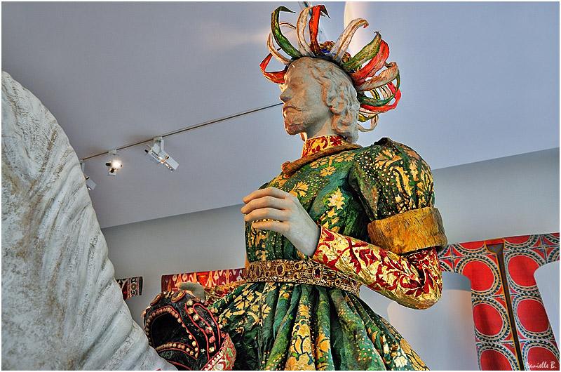 Les costumes de papier d'Isabelle de Borchgrave Isabel12