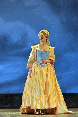 C'était Marie Antoinette avec Natacha Régnier  Mariea11