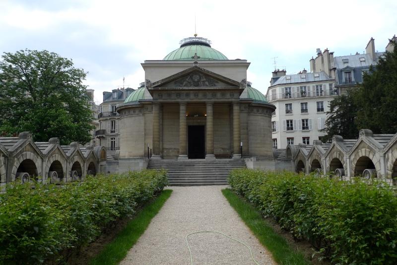 La Chapelle Expiatoire du square Louis XVI, à Paris P1030910