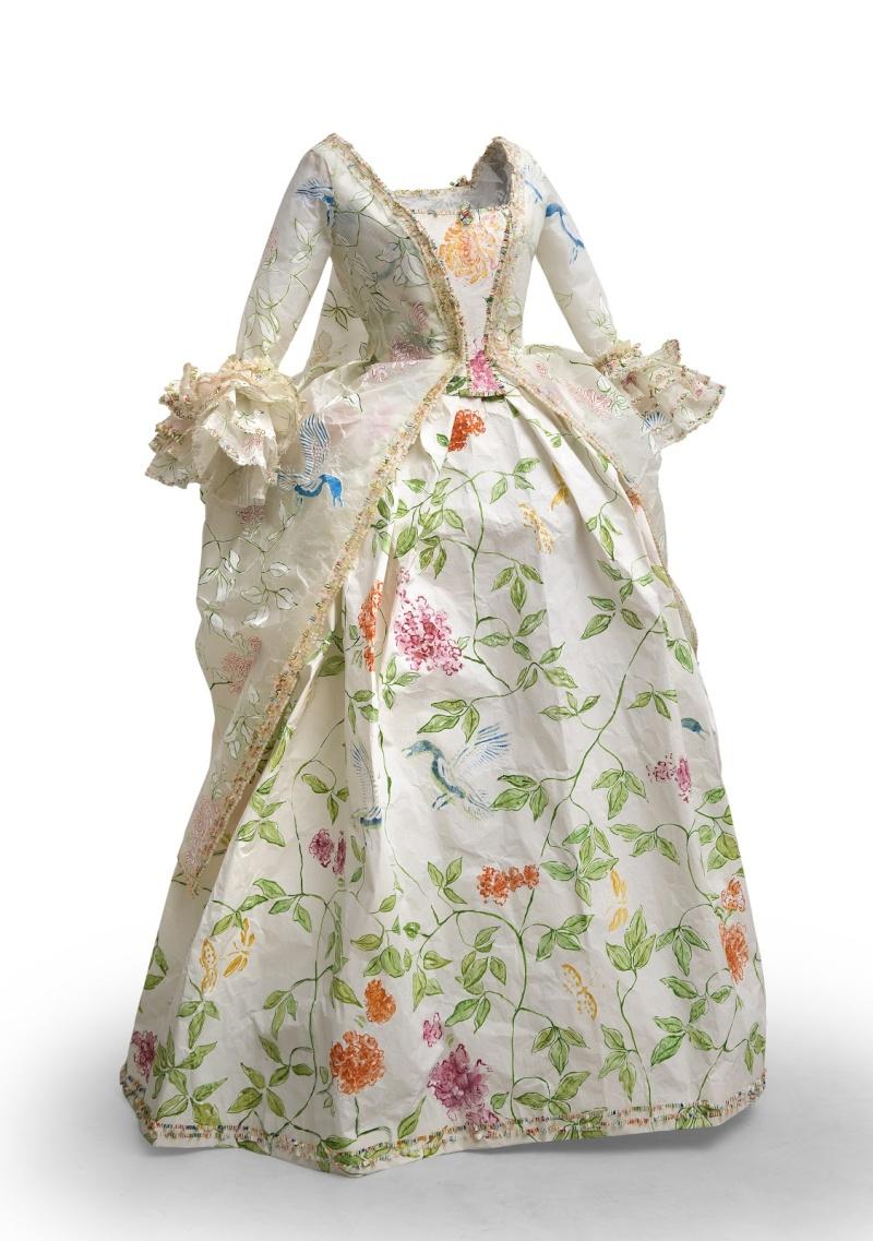 Les costumes de papier d'Isabelle de Borchgrave Polona10