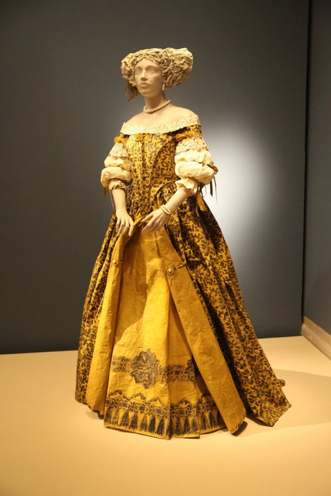 Les costumes de papier d'Isabelle de Borchgrave Robe_p12
