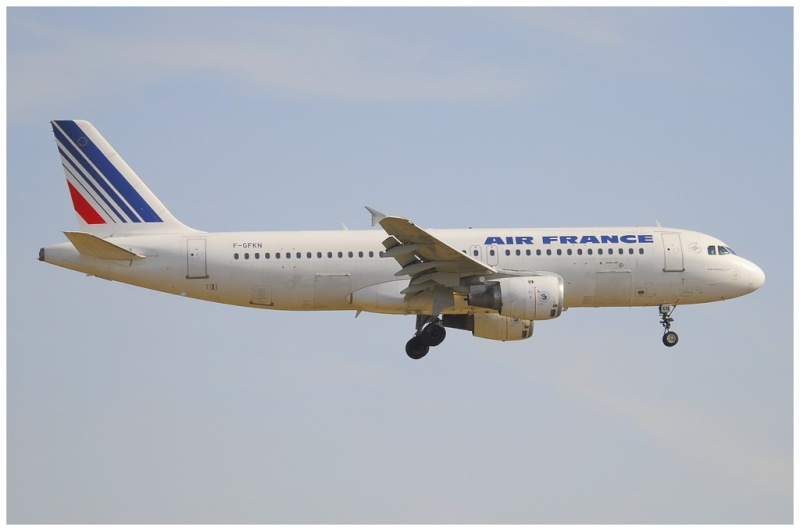 AIRBUS A 320-211 Cie AIR FANCE 1/125ème Réf 80448 A320_210