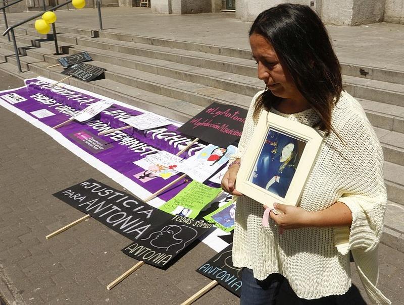 ANTONIA GARROS: SUICIDIO O SACRIFICIO RITUAL? Andy-s29