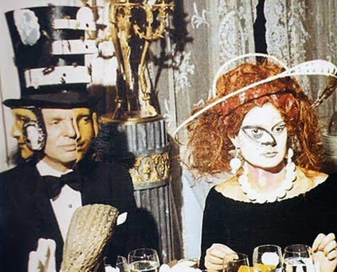 FIESTA ILLUMINATI DE LOS ROTHSCHILD (1972) Ew18