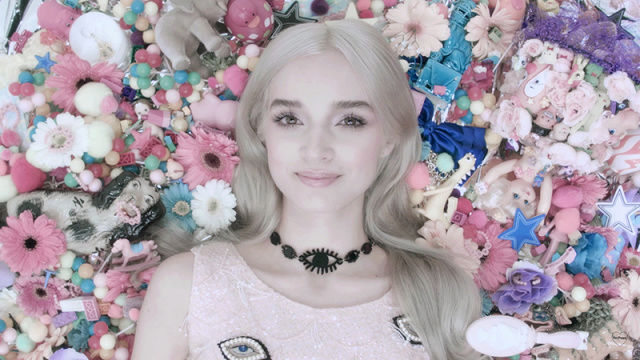 """THAT POPPY"", ESTRELLITA POP BAJO CONTROL MENTAL - Página 2 Selena12"