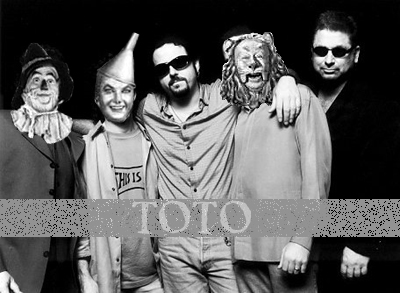 "TOTO, UNA MASCOTA ""MKULTRA"" Totoba10"