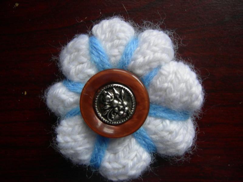 Bague ou épinglette fleur au tricot Dscn1920