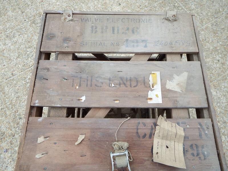 Caisse bois découverte dans un grenier Resize22