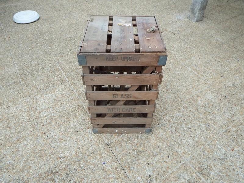 Caisse bois découverte dans un grenier Resize25