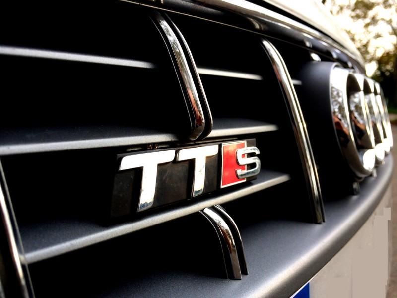 Audi TTS² S-tronic de Quattro2a 710