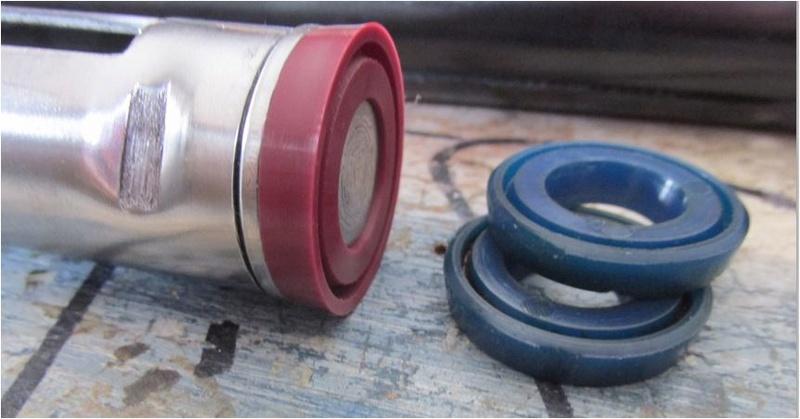 Recherche Joint piston 28/15/4 (type parachute). Captur10