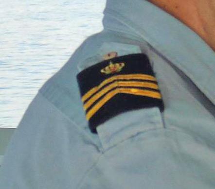 Questions sur les grades dans notre marine 18489710