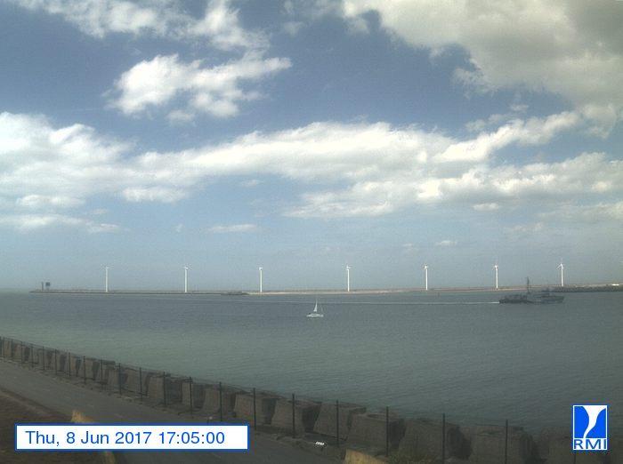 Photos en direct du port de Zeebrugge (webcam) - Page 63 Mcmger10