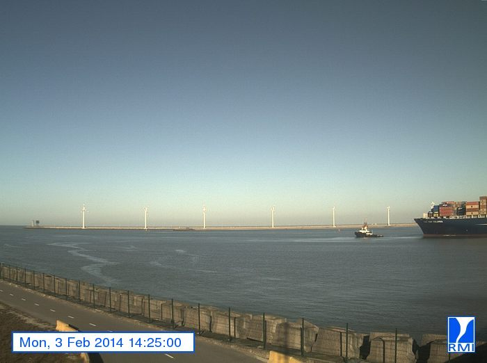 Photos en direct du port de Zeebrugge (webcam) - Page 61 Zeebru19