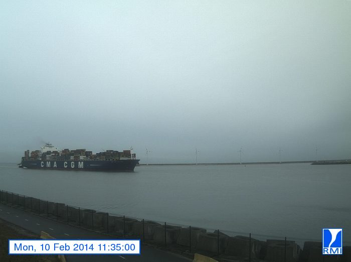 Photos en direct du port de Zeebrugge (webcam) - Page 61 Zeebru23