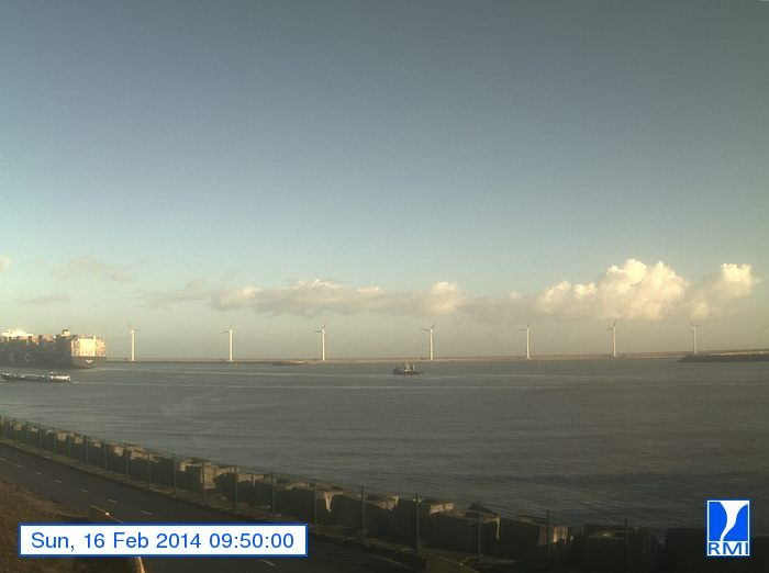 Photos en direct du port de Zeebrugge (webcam) - Page 61 Zeebru34